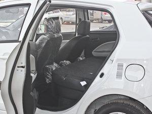 2011款1.5L 手动炫酷版B型 后排座椅放倒