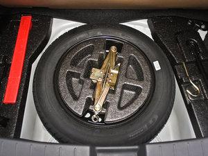 2011款1.5L 手动炫酷版B型 备胎