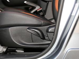 2018款1.5L 自动周年版 座椅调节