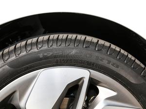 2019款高维标准续航幂方版 轮胎尺寸