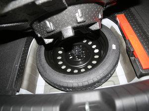 2016款1.3T DCT尊贵型 备胎