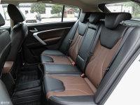 空间座椅帝豪RS后排座椅