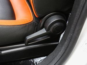 2017款1.3L 手动疯活版 座椅调节