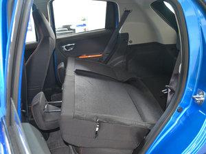 2017款1.3L 自动乐趣版 后排座椅放倒
