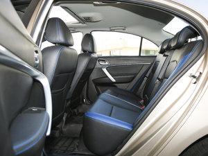 2017款EV300 精英型 后排空间
