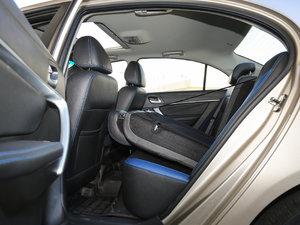2017款EV300 精英型 后排座椅放倒