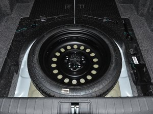 2017款1.8T 自动旗舰型 4G版 备胎