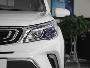 2017款1.5L 手动尊贵型 头灯