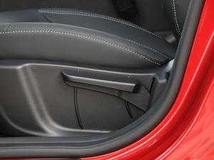 2018款1.4T 手动精英智联型 座椅调节