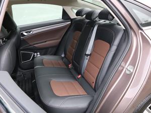 2018款1.4T 自动尊贵智联型 后排座椅