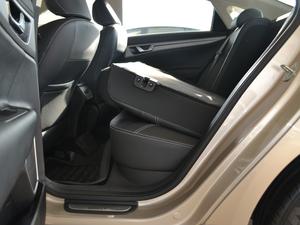 2018款1.4T 自动精英智联型 后排座椅放倒