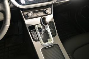 2018款1.4T 自动精英智联型 变速挡杆