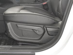 2018款1.8L 手动精英智联型 座椅调节
