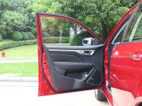 空间座椅远景驾驶位车门