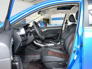 2018款1.5L 自动尊贵型 前排空间