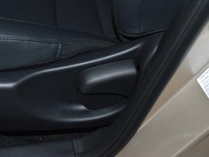 2018款1.5L 手动幸福版 座椅调节