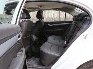 2018款EV450 尊贵型 后排空间