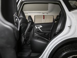 2018款1.8TD 自动两驱智雅型 后排空间