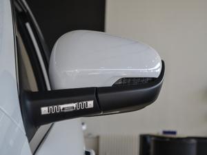 2018款2.0L 手动两驱智雅型 后视镜