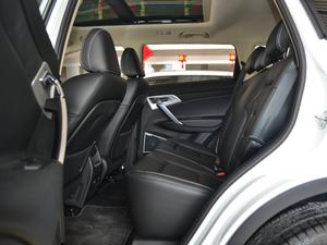 2018款2.0L 手动两驱智雅型 后排空间