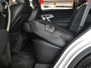 2018款2.0L 手动两驱智雅型 后排座椅放倒
