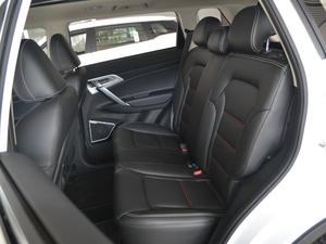 2018款2.0L 手动两驱智雅型 后排座椅