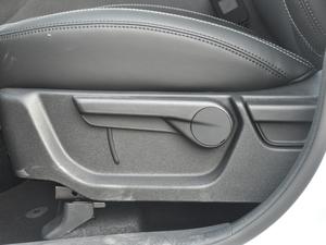 2018款1.8TD 手动两驱智雅型 座椅调节