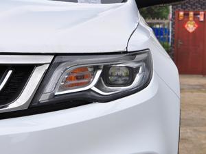 2018款1.8TD 自动两驱智联型4G互联版 头灯