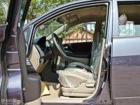 空间座椅利亚纳两厢前排空间