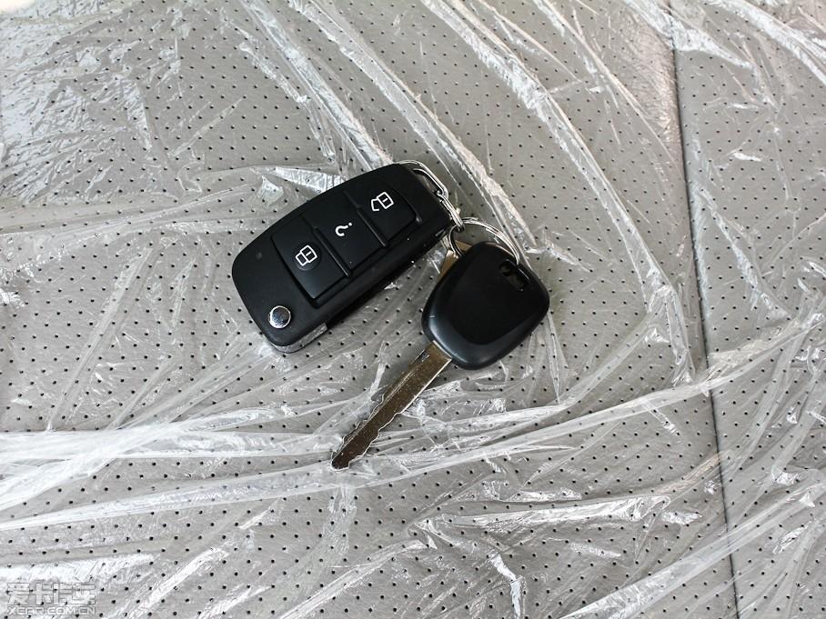 2011款利亚纳两厢1.4L 手动豪华I版