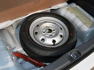 2015款1.4L 全能升级版 备胎