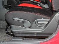 空间座椅利亚纳A6两厢座椅调节
