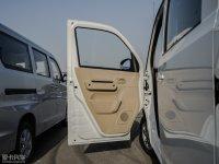 空间座椅佳宝V80驾驶位车门