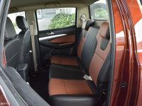空间座椅御风P16后排座椅