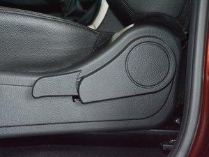 2017款1.9T 手动四驱豪华型 座椅调节