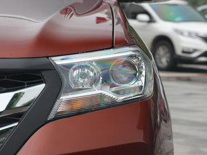 2017款1.9T 手动两驱豪华型 5座 头灯