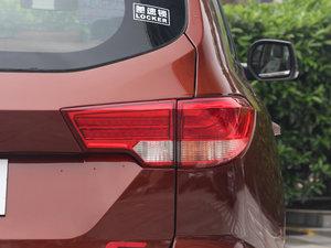 2017款1.9T 手动两驱豪华型 5座 尾灯