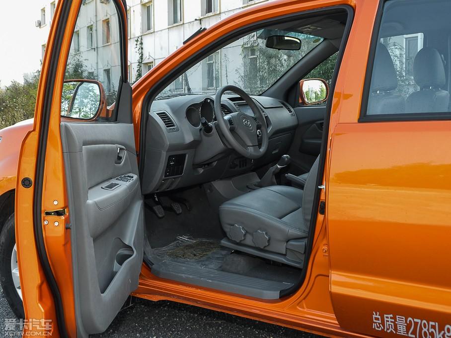 8t 柴油版精英型-空间座椅(1/26)