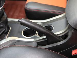 2017款2.4L 汽油两驱至尊版 驻车制动器