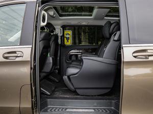 2018款V 260 L 尊贵加长版 后排空间