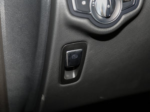 2017款V 260 尊贵版 驻车制动器