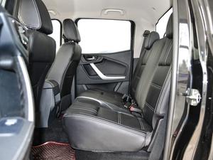 2018款2.5T 柴油两驱豪华型 大双 后排空间