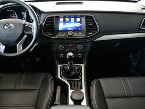 2018款2.5T 柴油两驱豪华型 大双 中控台