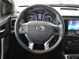 2018款2.5T 柴油两驱豪华型 大双 方向盘