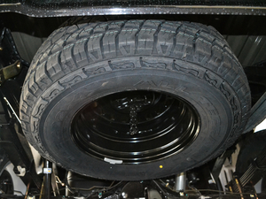 2018款2.5T 柴油两驱豪华型 大双 备胎