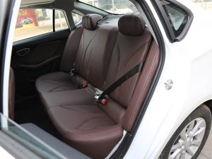 2019款1.5L CVT尊贵版 国V 后排座椅