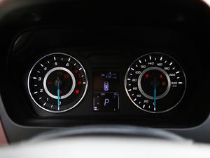 2019款1.5L CVT尊贵版 国V 方向盘