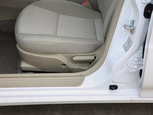 2017款1.5L 手动幸福版 座椅调节