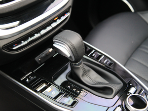 2018款Prime 1.8T 280 Turbo 自动旗舰型 变速挡杆
