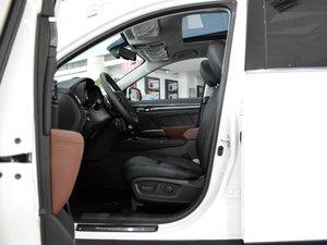 2017款320T 豪华智联版 前排空间